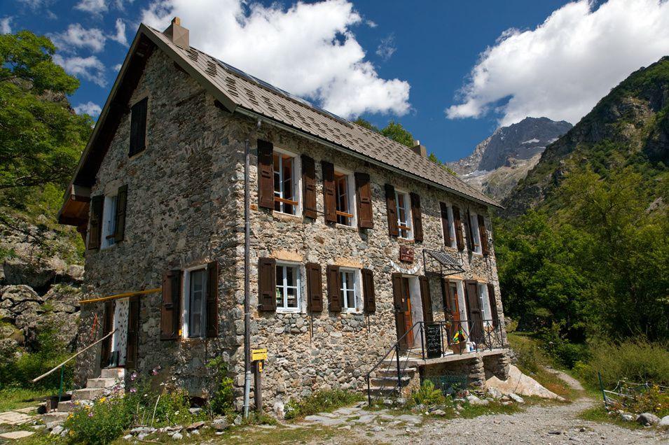 Première approche photographique de cette vallée aux aspects étonnants, de La Chapelle en Valgaudemar jusqu'au refuge Xavier Blanc