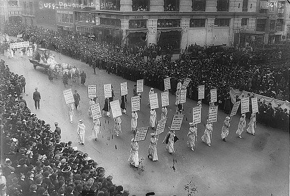 march-suffragettes