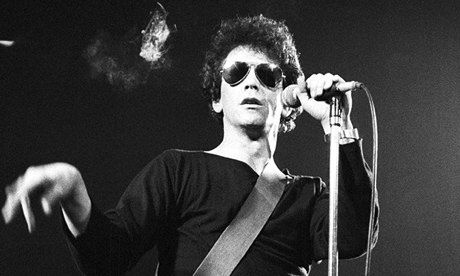 Lou-Reed-performing-in-19-009 (460x276)