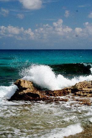 surf-on-isla-mujeres.jpg