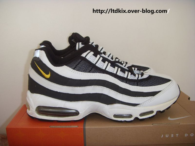 magasin en ligne bc869 daf44 Sneakers De Collection - Nike Air Max 95 Juventus - Allez La ...