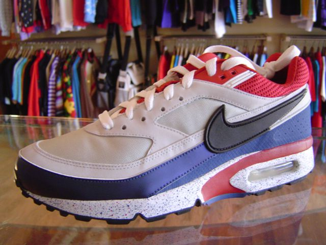 first rate c3a4f e0680 ... czech nike air classic bw paris saint germain a33b7 f78c0