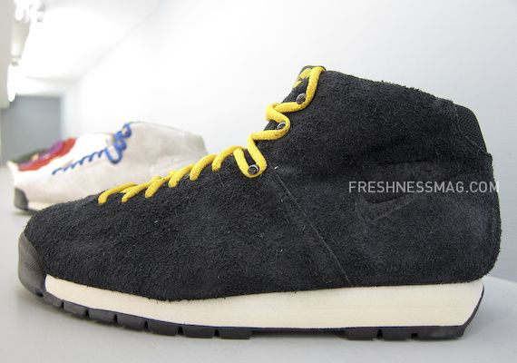 nike-sportswear-fall-holiday-10-footwear-13.jpg