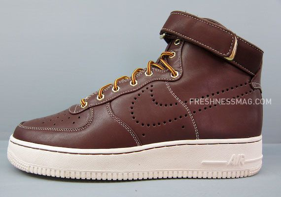 nike-sportswear-fall-holiday-10-footwear-54.jpg