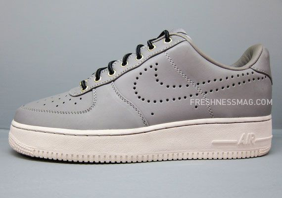 nike-sportswear-fall-holiday-10-footwear-57.jpg