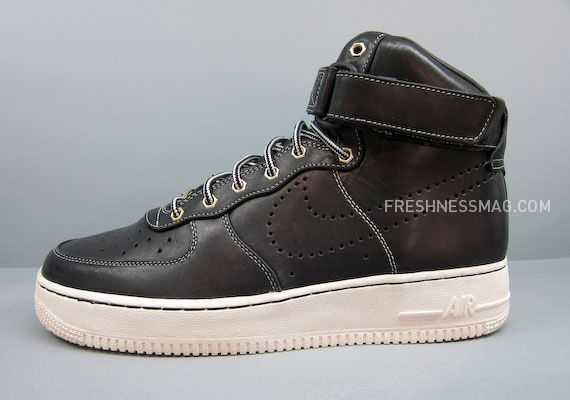 nike-sportswear-fall-holiday-10-footwear-60.jpg