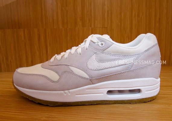 nike-sportswear-fall-holiday-10-footwear-73.jpg