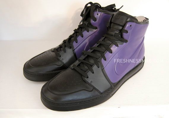 nike-sportswear-fall-holiday-10-footwear-90.jpg