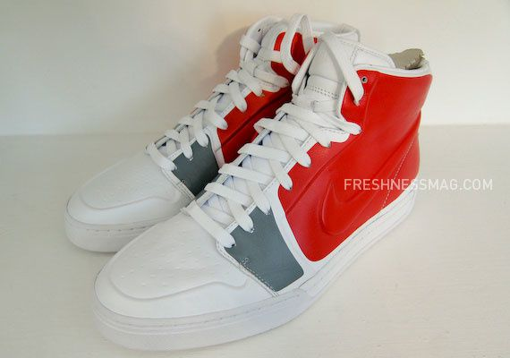 nike-sportswear-fall-holiday-10-footwear-92.jpg