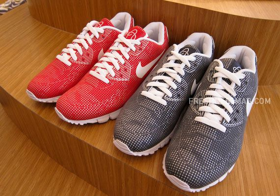 nike-sportswear-fall-holiday-10-footwear-96.jpg