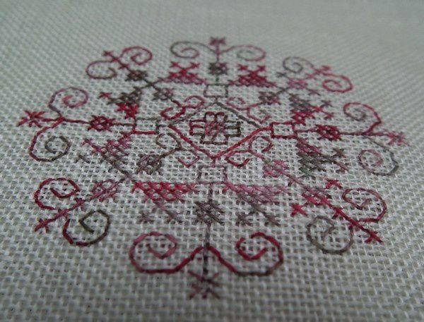 blackwork-detail-rosace.jpg