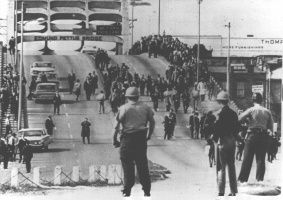 Bloody Sunday-officers await demonstrators