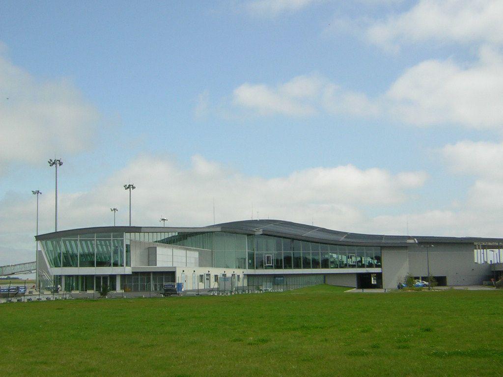 Aeroport brest guipavas tarif parking for Garage brest location