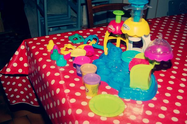 Play-Doh-2-copie.jpg