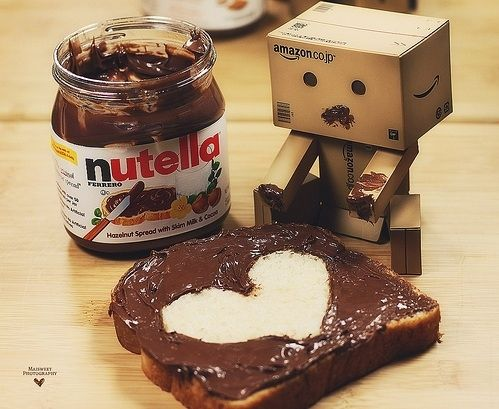 adorable-box-box-people-bread-chocolate-Favim.com-124228_la.jpg