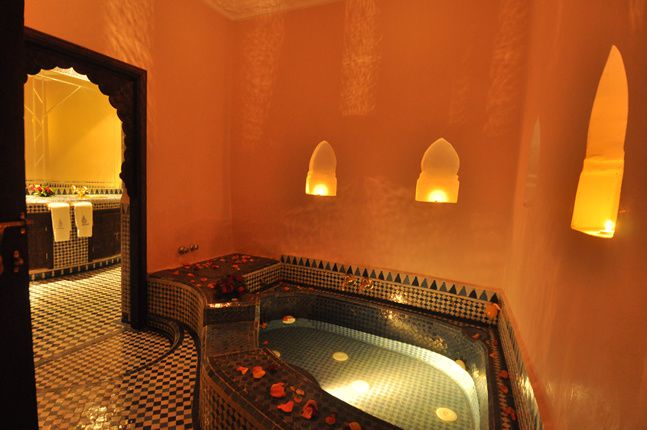 Un temple d 39 inspiration mauresque le riad salam de f s lno for Architecture andalouse