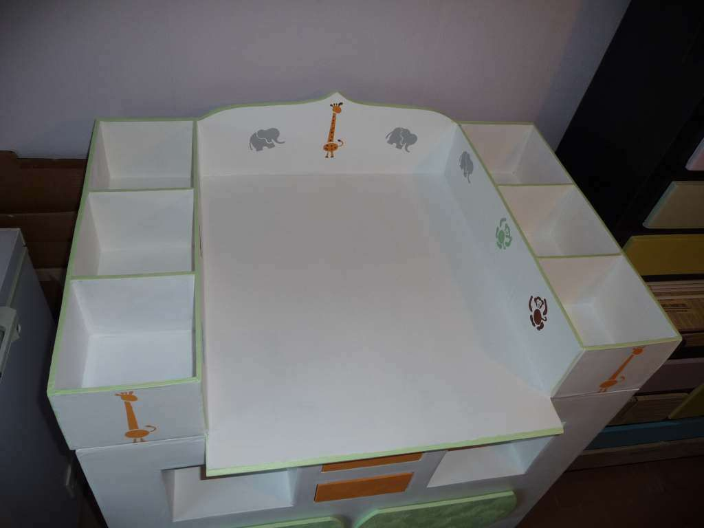 Commode Baignoire Table à Langer : Table à langer avec commode trendyyy