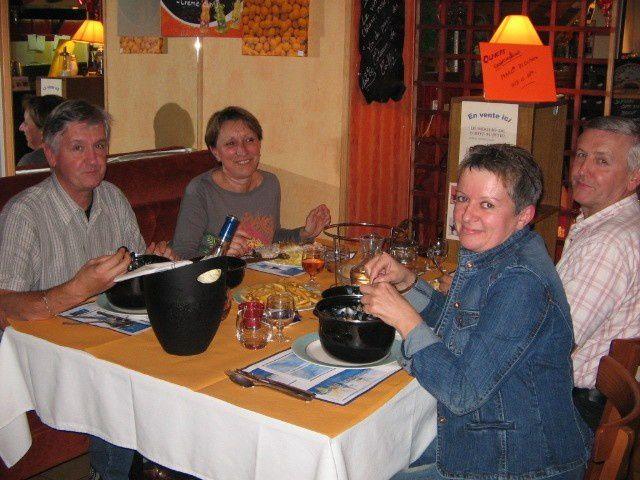 Samedi soir les pieds sous la table bienvenue - Restaurant les pieds sous la table ...