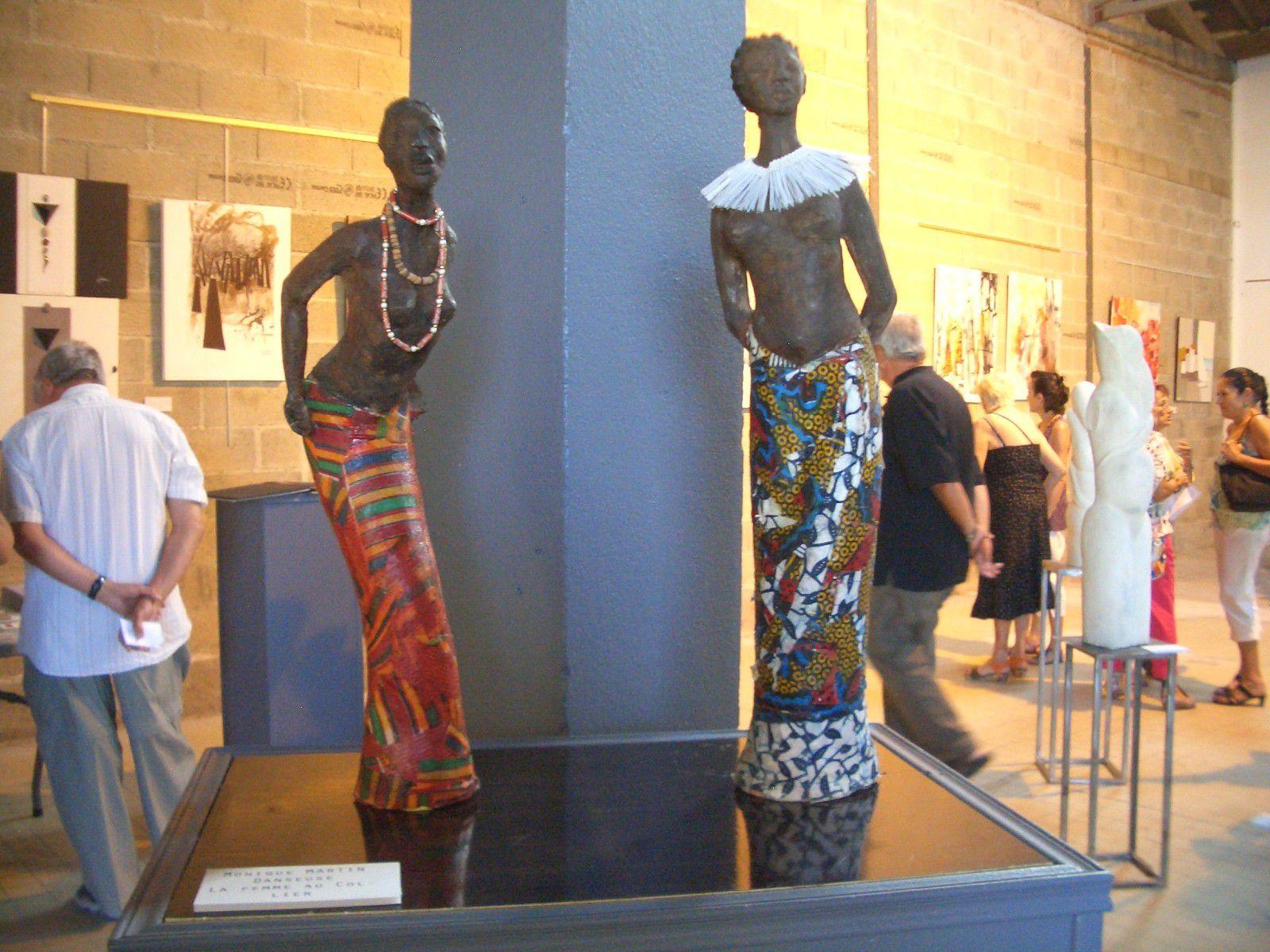 Isabelle SANTORI et Muriel CRESPIN sont les deux organisatrices de ce 14e Salon des Arts de la ville PORT LA NOUVELLE pour apporter une touche différente à ce Salon des Arts.