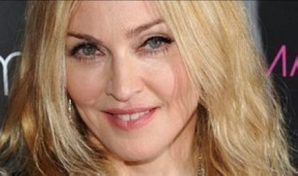 Fan arrested outside Madonna home