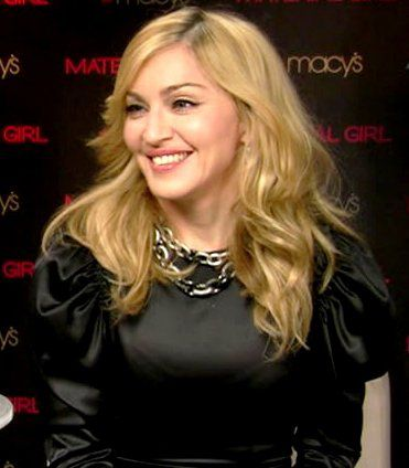 Interview with Madonna on US TV show 'ET' on March 29, 2010