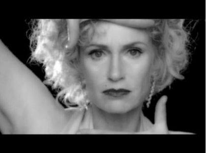 The press on Jane Lynch doing Madonna's ''Vogue'' video in ''Glee''