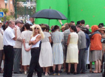 Inside Of ''W.E.'' Part.2: Second day of Madonna shooting in France