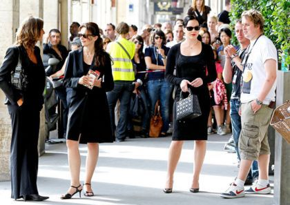 Madonna films ''W.E.'' in Paris, France - August 1, 2010
