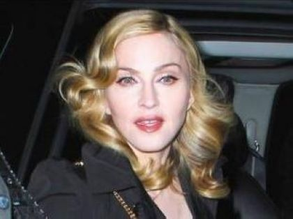 Madonna shoots ''W.E.'' in Paris on July 31 and August 01, 2010