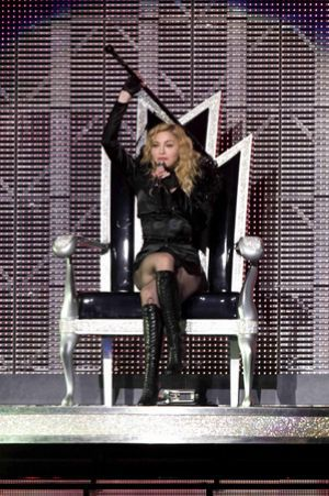 Madonna considering full time gig in Las Vegas for 5 years
