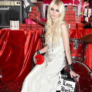 Taylor Momsen: ''Madonna is just a normal person''