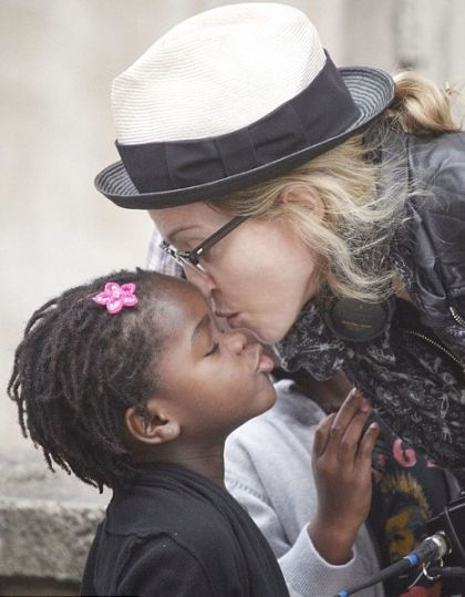 Madonna: 11 abortions ; 15-minute appointments a day with children