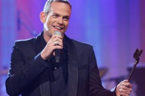 Canadian singer Garou to cover Madonna's song ''Sorry'' on his new album on Dec. 8, 2009