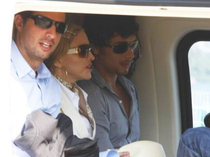 Madonna and Jesus embark in a helicopter for Angra dos Reis in Brazil on Nov. 14, 2009