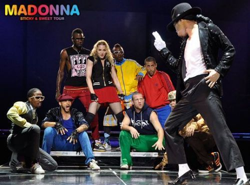 Madonna pays tribute to Michael Jackson in concert