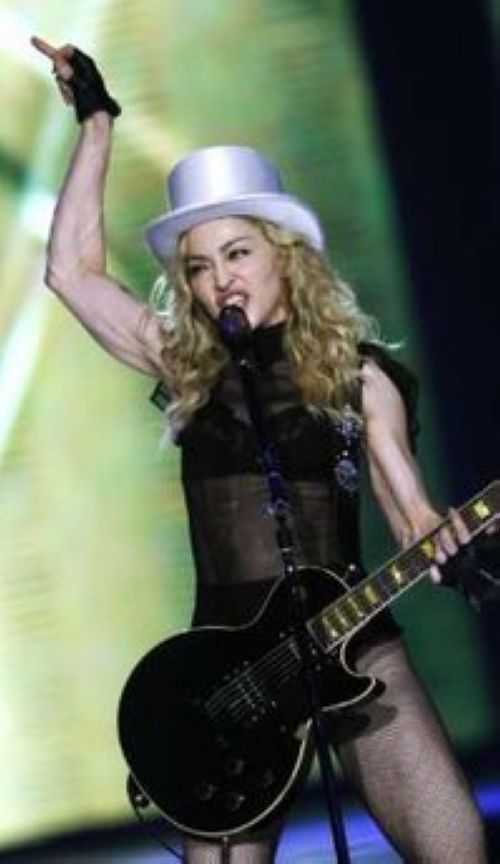 Sticky & Sweet Tour: Photos from the first show in London, UK