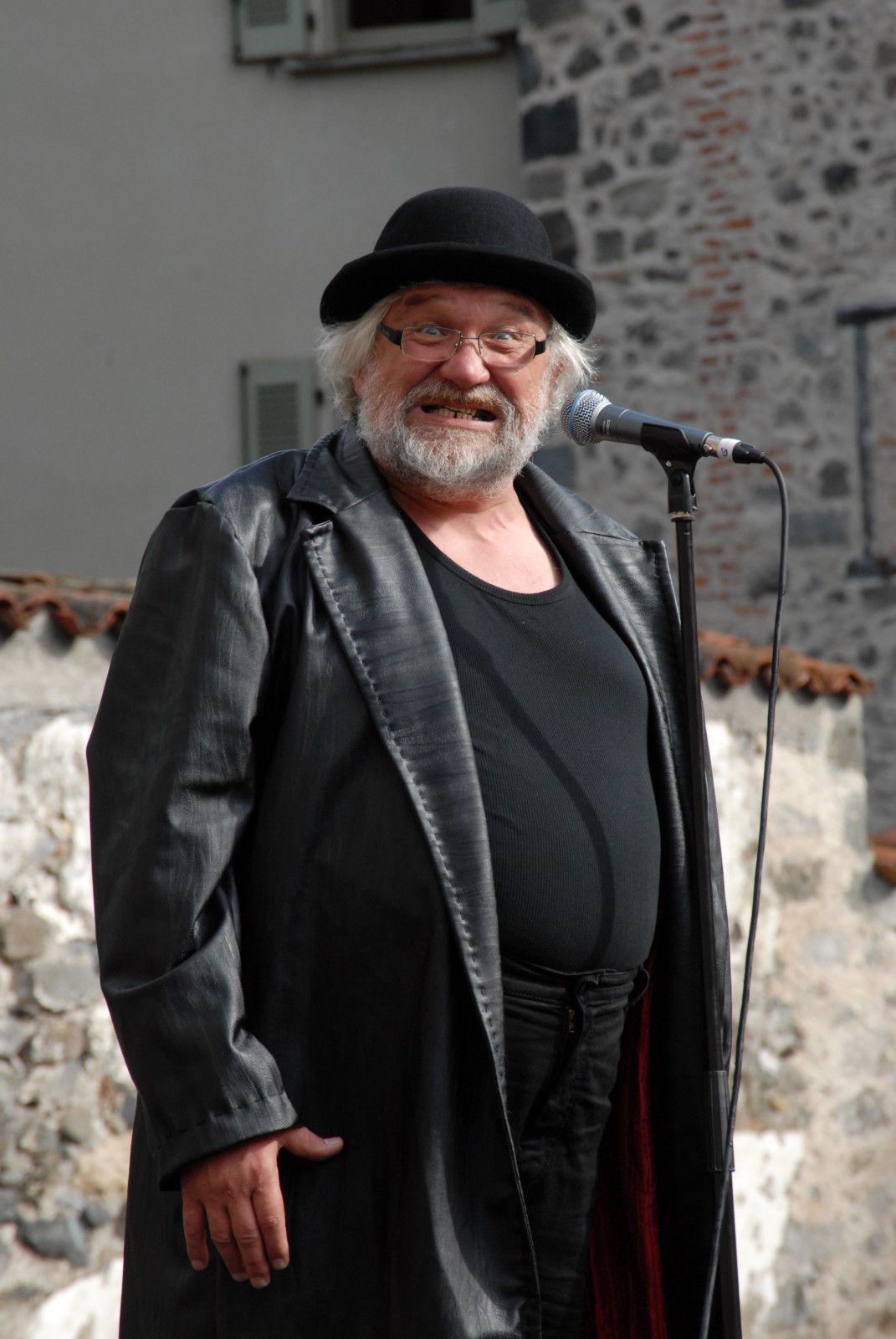 De Nadège Prugnard ...crée au festival international de théâtre de rue d'Aurillac 2008