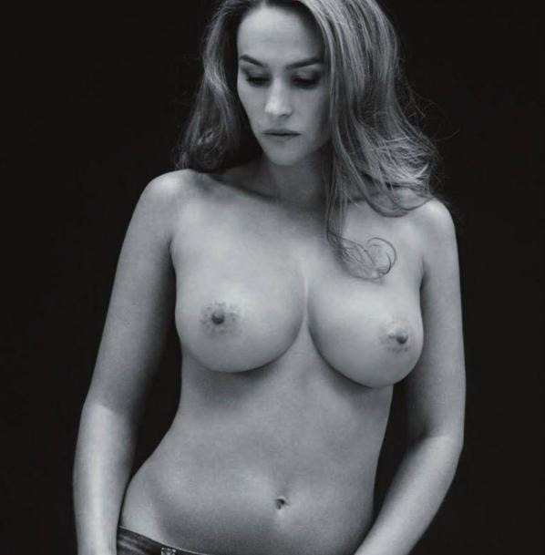 Vanessa-Demouy-seins-nus-contre-le-cancer.png