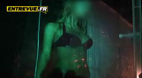 Zahia-video-hot-sexy--entrevue.PNG
