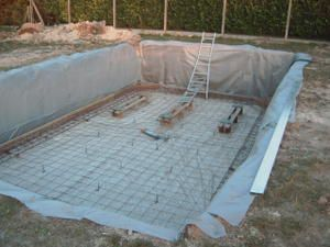 Construction de notre piscine breizh17 for Construction piscine 46