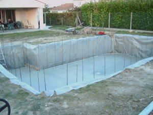 Construction de notre piscine breizh17 for Construction piscine 33