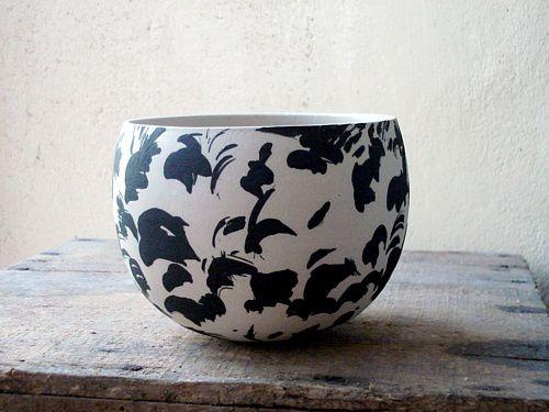 fleurs-plumes, noir sur blanc