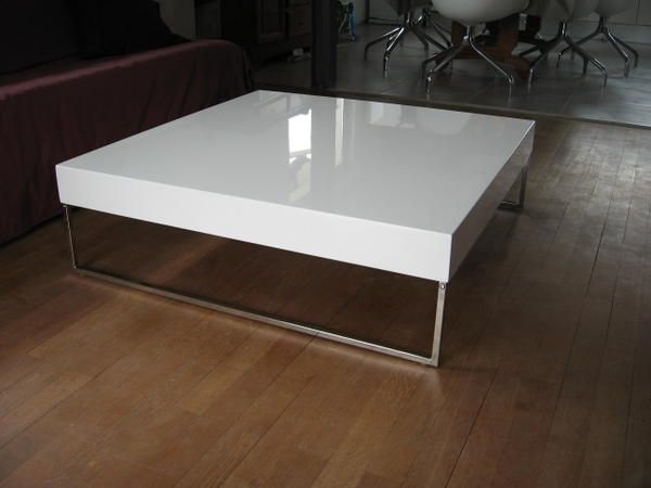 Table basse design la maison claramel r nov e - Table basse carree design ...