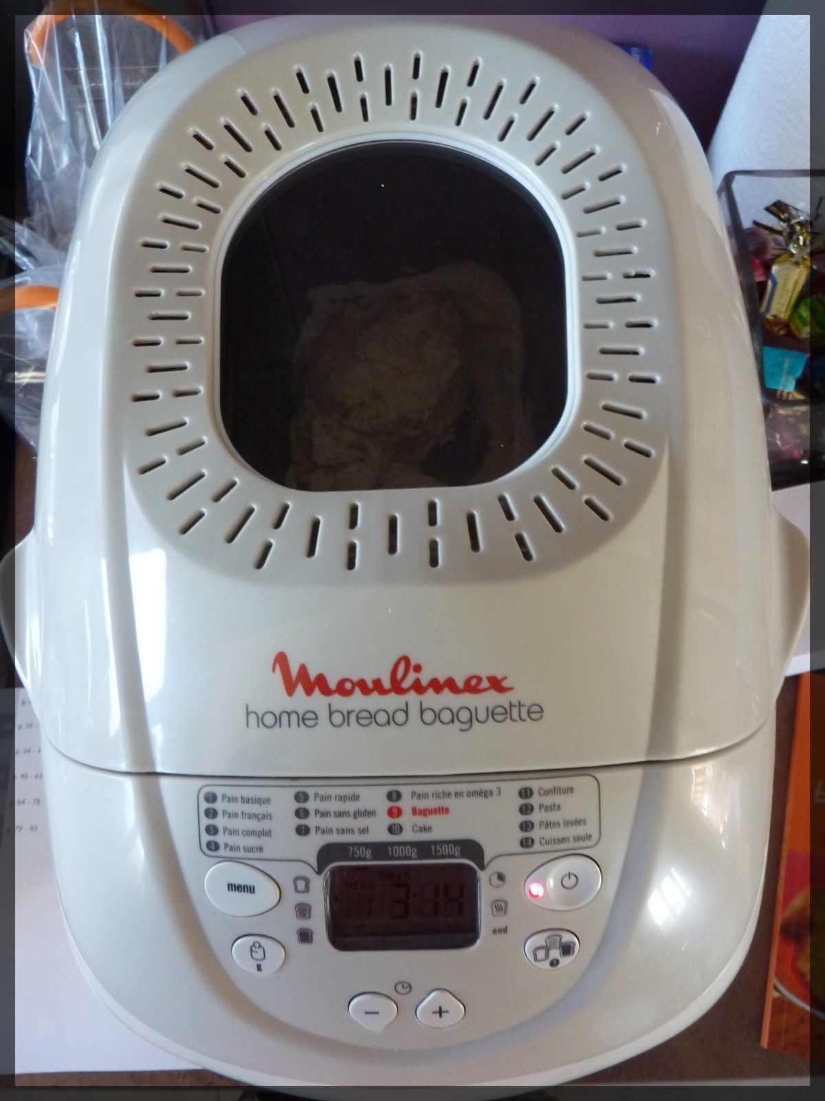 machine pain et premiers pains maison la maison. Black Bedroom Furniture Sets. Home Design Ideas