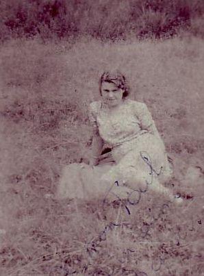 Moeder1943.jpg
