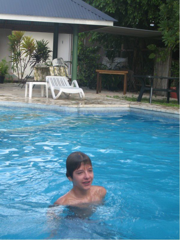 Huahine 1 les corion tahiti for Algues brunes piscine