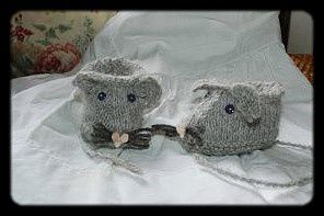 TUTO_SOURIS_TRICOT_CHAUSSONS