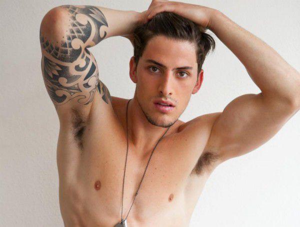 Danilo-Borgato-Hot-Shower-Burbujas-De-Deseo-02-600x453.jpg
