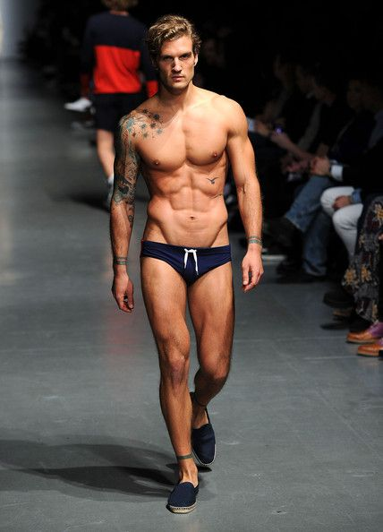 Jeffrey-Fashion-Cares-2011-04.jpg