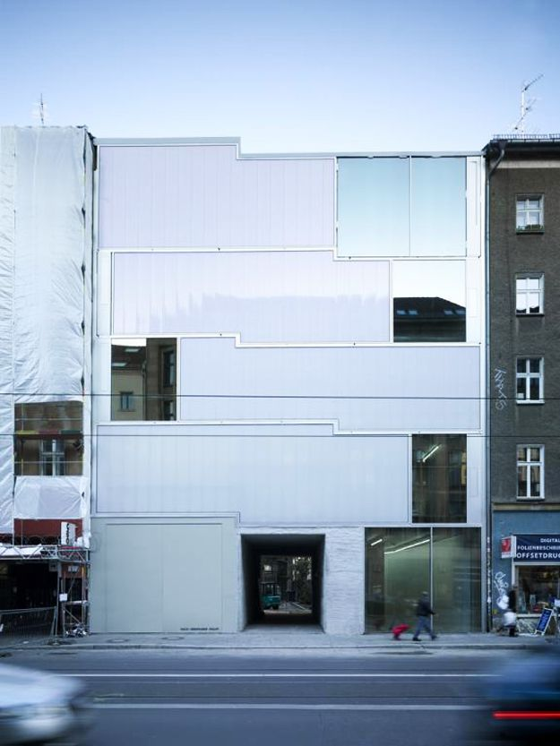 1-arcstreet.com-Studio-and-Gallery-Brunnenstrasse-9-Berlin.jpg